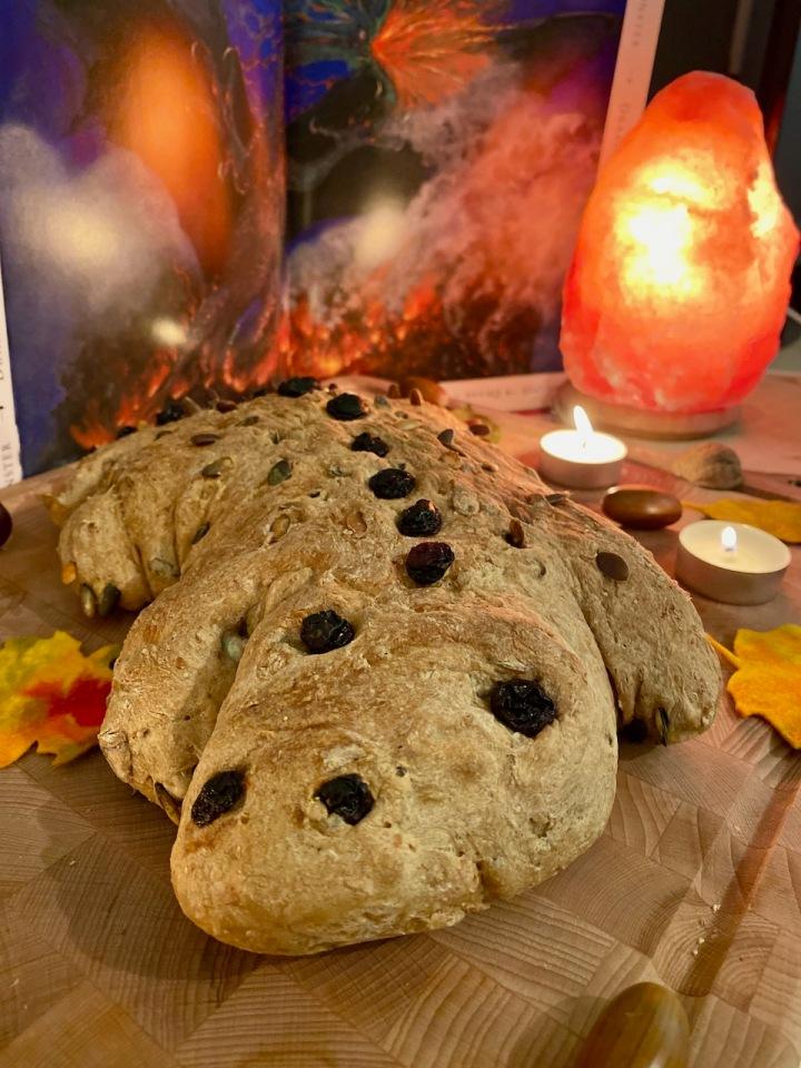 DIY Drakenbrood met pompoenpitten enrozijnen